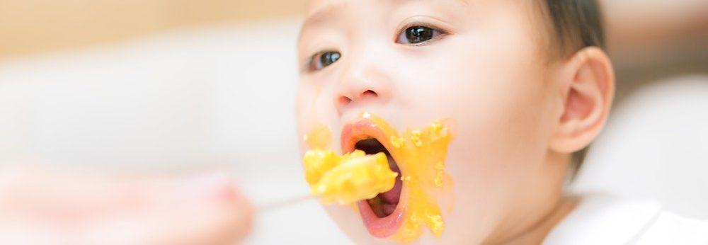 乳児の食事による窒息事故に安定した背中の叩き方(動画あり)